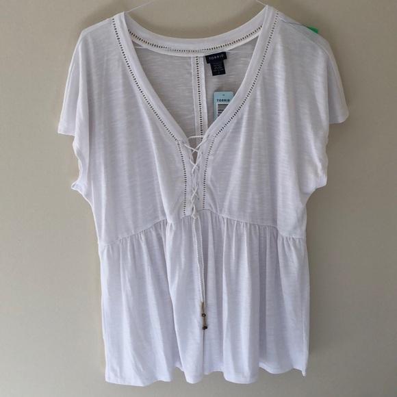 04bc80145be PATTYS DAY SALE🍀 NWT Torrid White Shirt